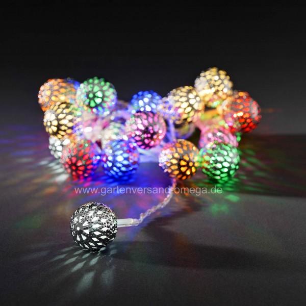 Bunte LED-Dekolichterkette mit silbernen Metallbällen